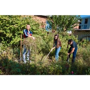 Стройотрядовцы помогают ветеранам Белгородэнерго