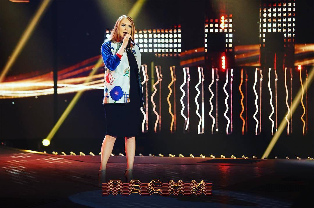 Участница проекта «Песни» на ТНТ Лена Семёнова презентует новую песню «Когда женщина любит».