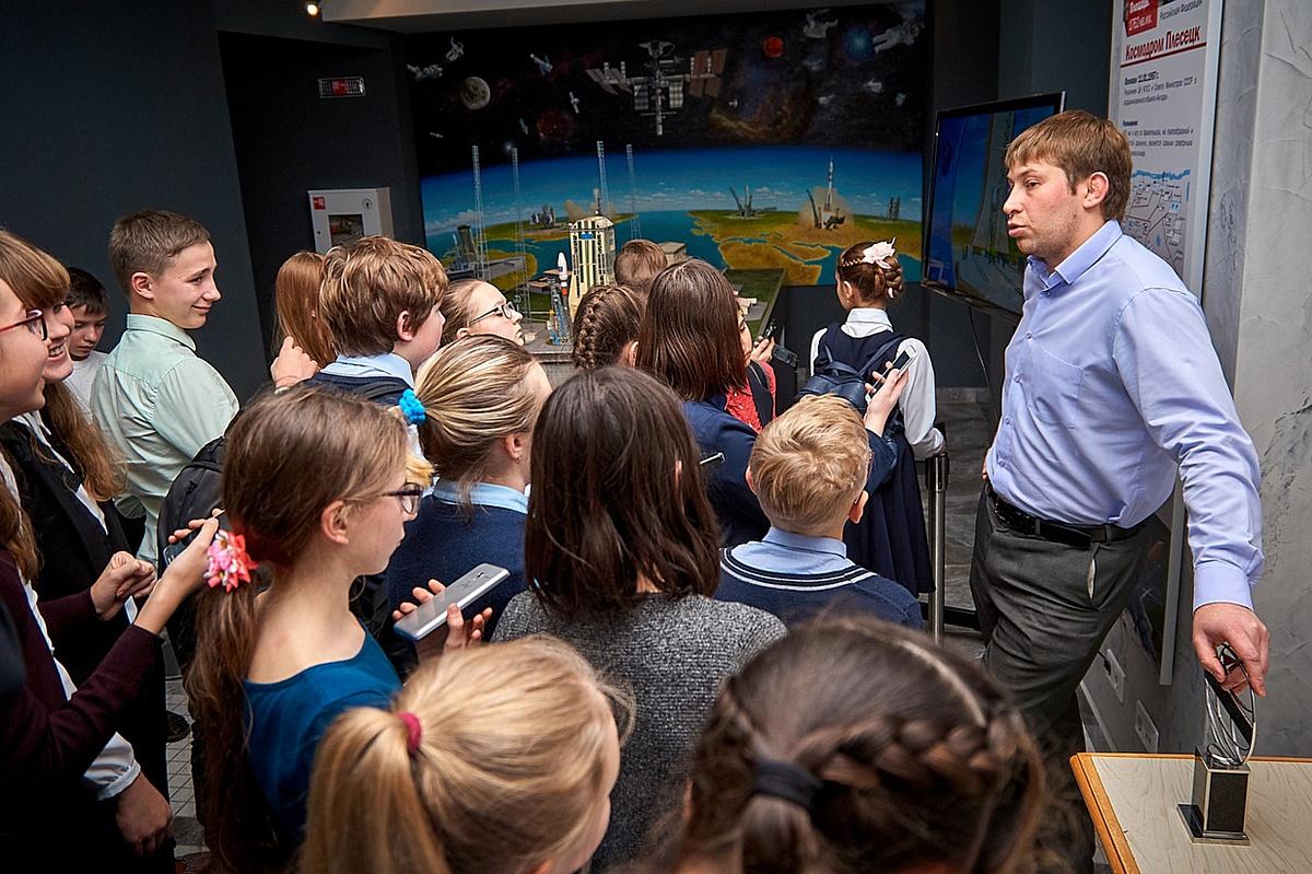 Школьники в уникальном музее космонавтики и ракетно-космической техники