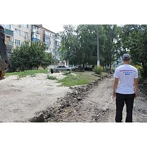Белгородские активисты ОНФ проверили ход работ по благоустройству дворов