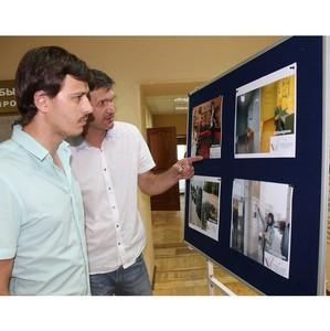 Омская область: активисты ОНФ провели фотовыставку, посвященную мониторингу указов Президента