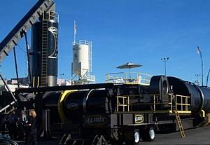 Компания «Ителла» перевозит асфальтовые заводы из Малайзии в Россию