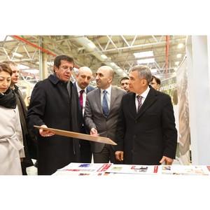 Министр экономики Турции и врои президента Татарстана посетили завод Kastamonu