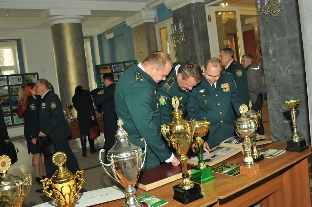 В Смоленской таможне отметили профессиональный праздник