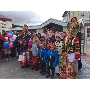 Активисты ОНФ в Югре провели парад семьи в Ханты-Мансийске