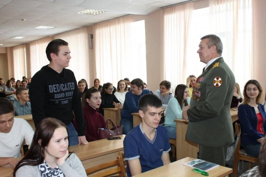 Эксперты ОНФ в Челябинской области провели патриотические мероприятия, посвященные героям России