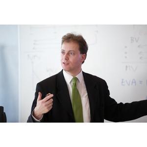 CFA или MBA: Какая квалификация лучше всего подходит для финансовой карьеры?