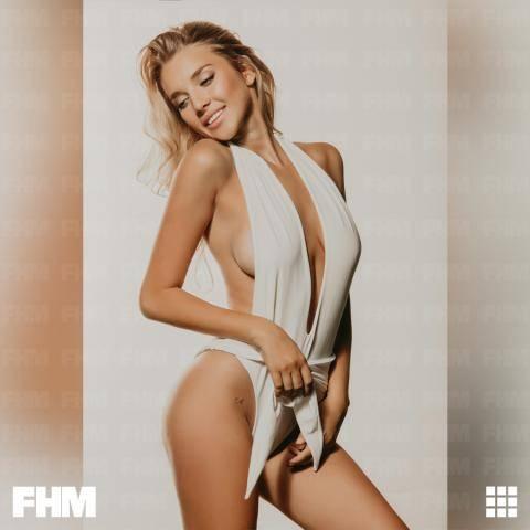 Российская модель Анастасия Михайлюта появилась в журнале FHM