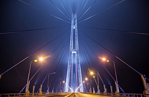 Оборудование IntiLED в художественной подсветке моста на остров Русский