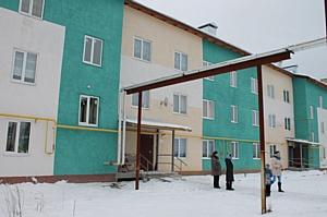 Активисты ОНФ настаивают на экспертизе домов для переселенцев из аварийного жилья в поселке Савино