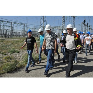 ФСК ЕЭС организовала экскурсию на ПС 500 кВ «Невинномысск» для студентов СКФУ