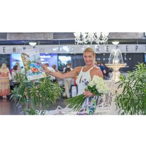 Прима-балерина, заслуженная артистка России Анастасия Волочкова в отеле «Ялта-Интурист»