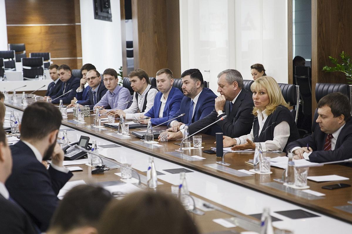 Витрина проектов Минпромторга по развитию молодежного предпринимательства привлекает новых партнеров