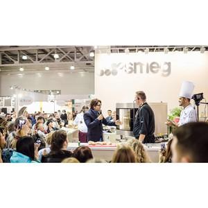 Андрей Малахов провел кулинарный поединок для SMEG на Russian Hospitality Week 2014
