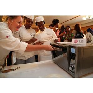 LG поддержала некоммерческую кулинарную школу в рамках LG Home Chef Championship 2013 в ейптауне
