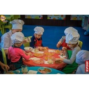 Детский клуб «Ура» в ТРЦ «Аура» приглашает на бесплатные занятия детей 4-11 лет