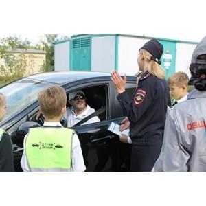 Белгородские активисты ОНФ напомнили школьникам и водителям о безопасности дорожного движения