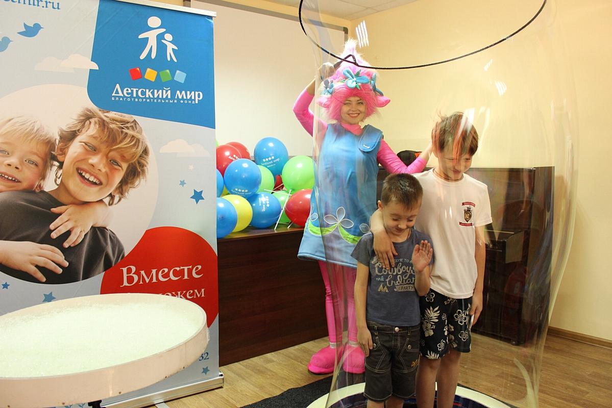 «Детский мир» открыл 8 игровых комнат в медицинских учреждениях Воронежа