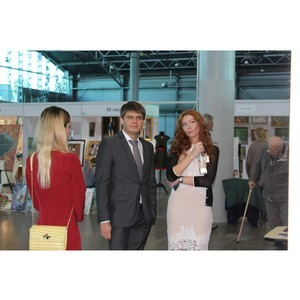 ќЌ' поддержал инициативу молодых художников по проведению творческих экосубботников в ѕетербурге