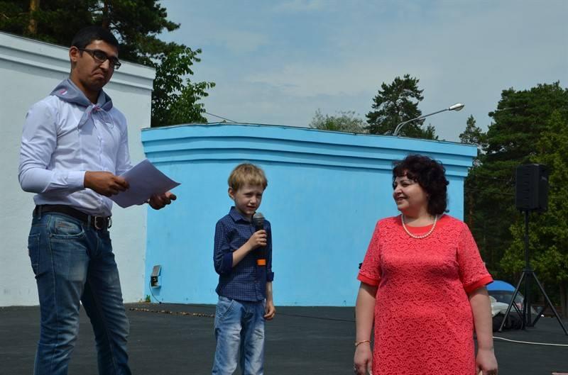 Представители челябинского штаба ОНФ поздравили южноуральцев с Днем семьи, любви и верности