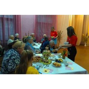 Курганская команда «Молодежки ОНФ» приняла участие в акции в честь международного дня пожилых людей