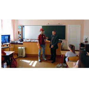 Кузбасские энергетики идут в школы