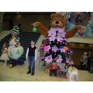 Победитель конкурса рисунков в «М5 Молл» попросил у Деда Мороза счастья землякам и снега для детворы