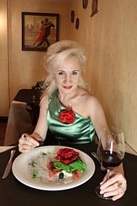 8 марта  - partido «Философия любви» от российского кутюрье Нелли Агафоновой и el Asado tango&grill