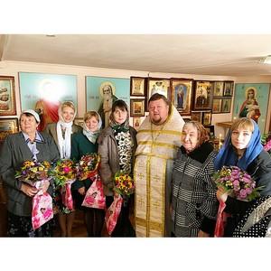 Ростовский храм Петра и Февронии поздравил педагогов воскресной школы