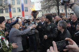В поселке Шаблыкино состоялась церемония зажжения Вечного огня