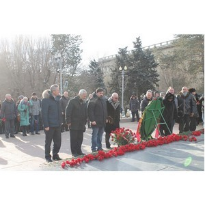 Волгоградские активисты Народного фронта почтили память защитников Сталинграда