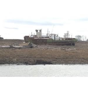 ОНФ в Югре обнаружил свалки нефтяного оборудования во время мониторинга берегов рек Югры