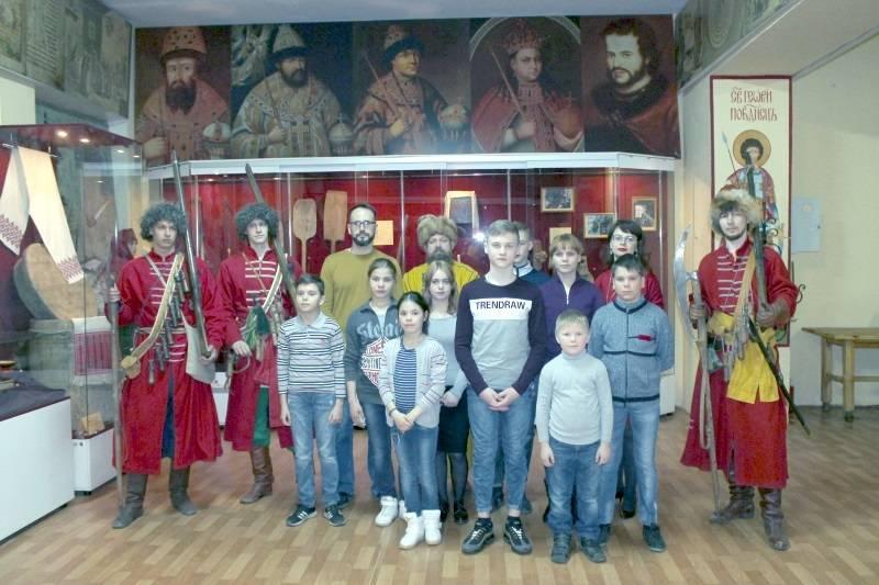 Активисты ОНФ в Мордовии организовали для воспитанников соцприюта экскурсию в музей