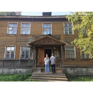 Активисты ОНФ в Карелии провели мониторинг аварийных домов, оставшихся без управления