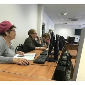 Сбербанк провёл первые в 2017 году уроки по программе «Азбука интернета» для пенсионеров Ставрополья