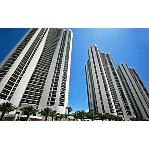 Bal Harbour Club ������ ���������� �� ��������� �� $220 ���������