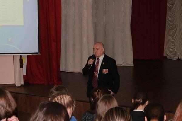 Активисты ОНФ на Камчатке организовали для школьников «уроки мужества»