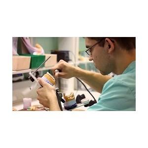 """Зубопротезная лаборатория """"Dentalpartner"""" г. Киев празднует седьмую годовщину"""