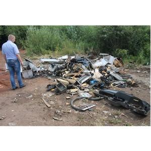"""јктивисты ќЌ' в """"дмуртии провели мониторинг инфраструктуры по сбору и переработке опасных отходов"""