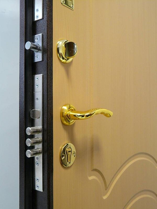 Ремонт и замена замков в металлических дверях