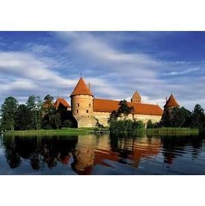 Литва привлекает янтарем, эксклюзивной одеждой, морскими пляжами и клубной музыкой