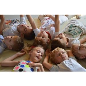 В Екатеринбурге отметили день глухих: Родители слабослышащих детей отпраздновали 4-летие организации