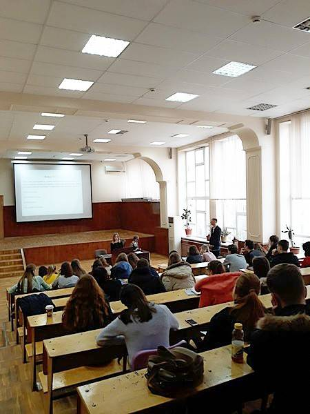 Дончане — в числе лидеров по стремлению к правовым знаниям