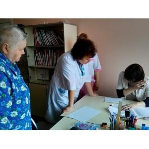Врачи МЕДСИ провели прием подопечных фонда «Старость в радость»