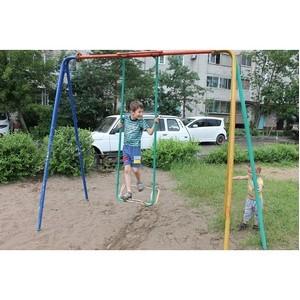 Активисты ОНФ проверили состояние детских игровых и спортивных площадок в Амурской области