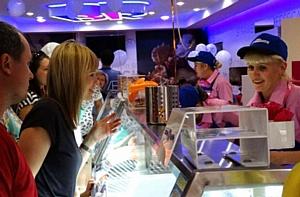 В Витебске открылось первое кафе-мороженое «Баскин Роббинс»