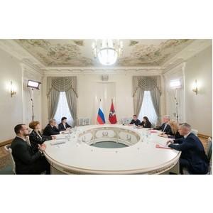 Представители ОНФ передали Собянину общественные предложения московского штаба Народного фронта
