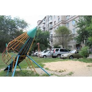 Активисты ОНФ обсудили с жителями одного из дворов Волгограда вопросы благоустройства