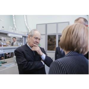 Госсоветник РТ Минтимер Шаймиев ознакомился с особенностями педагогического образования КФУ