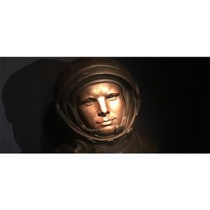 Бюст Юрия Гагарина в Неаполе.